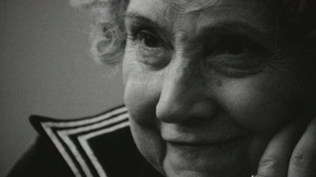 Ancienne comédienne de théâtre, Simone Baret est fatiguée de vivre. 1973. [RTS]