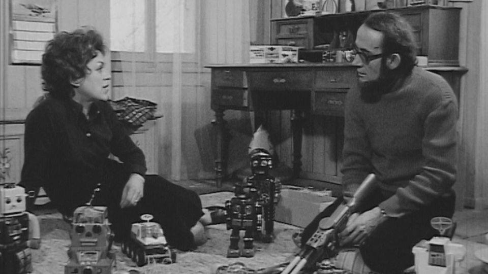 Diana de Rham, journaliste et le spécialiste de science-fiction Pierre Versins, 1972. [RTS]