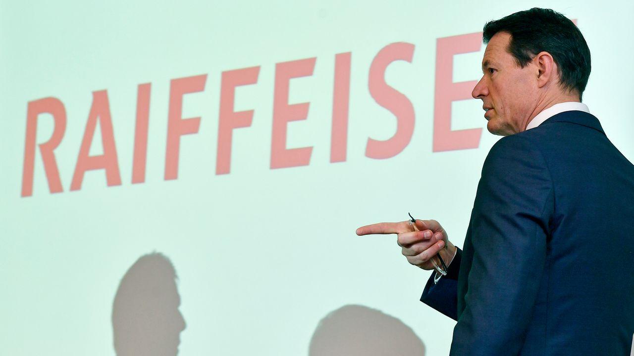Guy Lachappelle, président du conseil d'administration de Raiffeisen, lors de la présentation des résultats 2018. [Walter Bieri - Keystone]