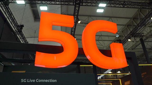Les antennes 5G se multiplient mais suscitent des réticences. [RTS]