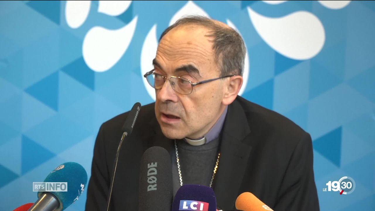 Le cardinal Barbarin a été condamné à 6 mois de prison avec sursis. Il a annoncé sa démission. Ses avocats feront appel. [RTS]