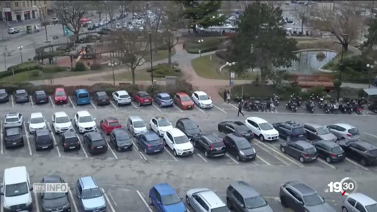 Yverdon-les-Bains: Le projet de parking souterrain sur la place d'armes fait débat [RTS]