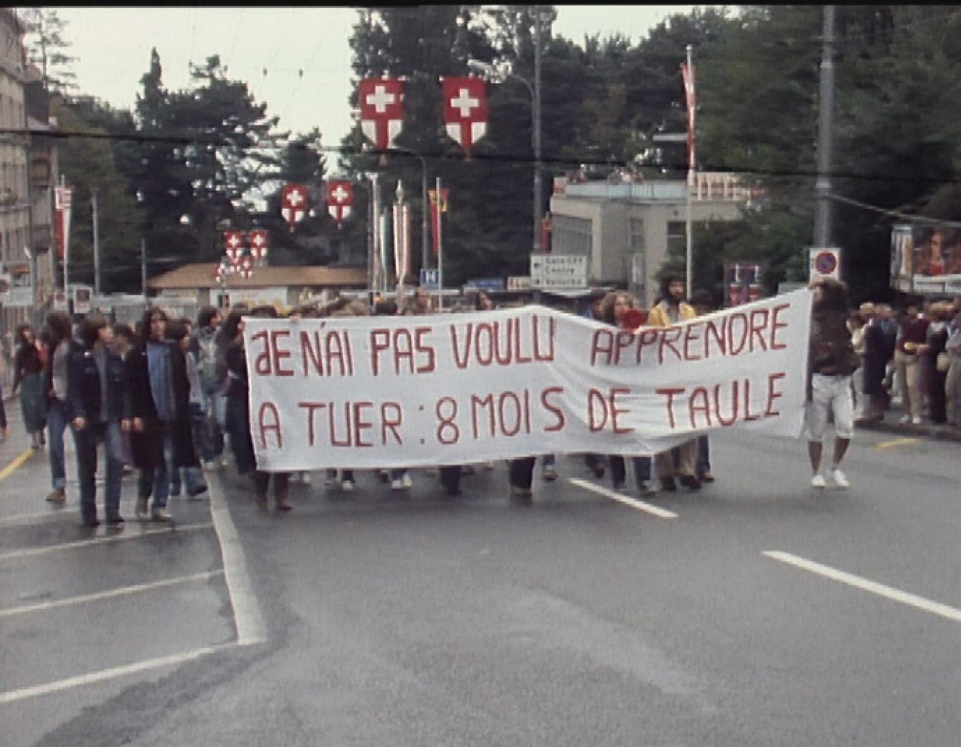 Manifestation contre l'armée