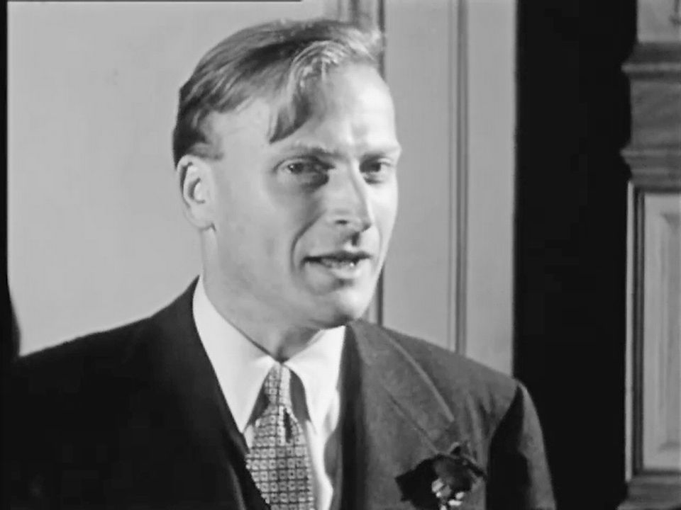 Yehudi Menuhin au Concours international d'exécution musicale en 1954. [RTS]