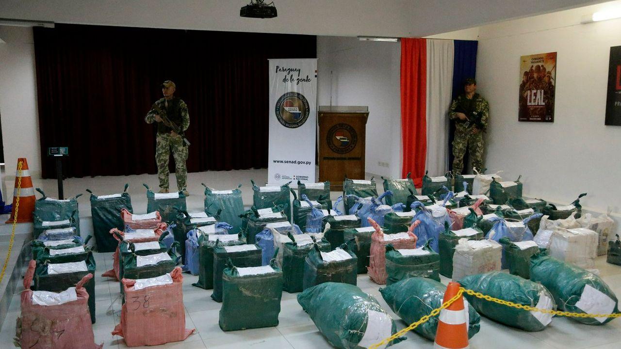 Des sacs de cocaïnes saisis au Paraguay en février. [AP Photo/Jorge Saenz - Keystone]