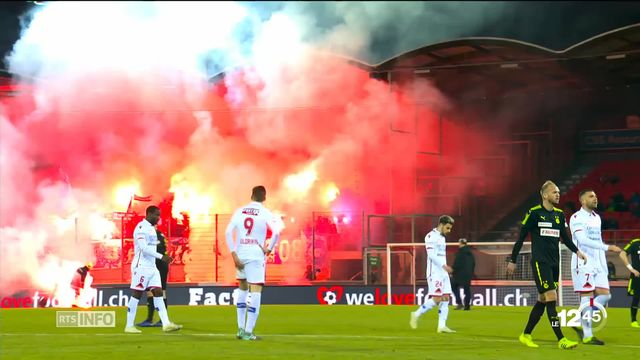 Débordements lors du match entre le FC Sion et Grasshopper. La rencontre a dû être interrompue [RTS]