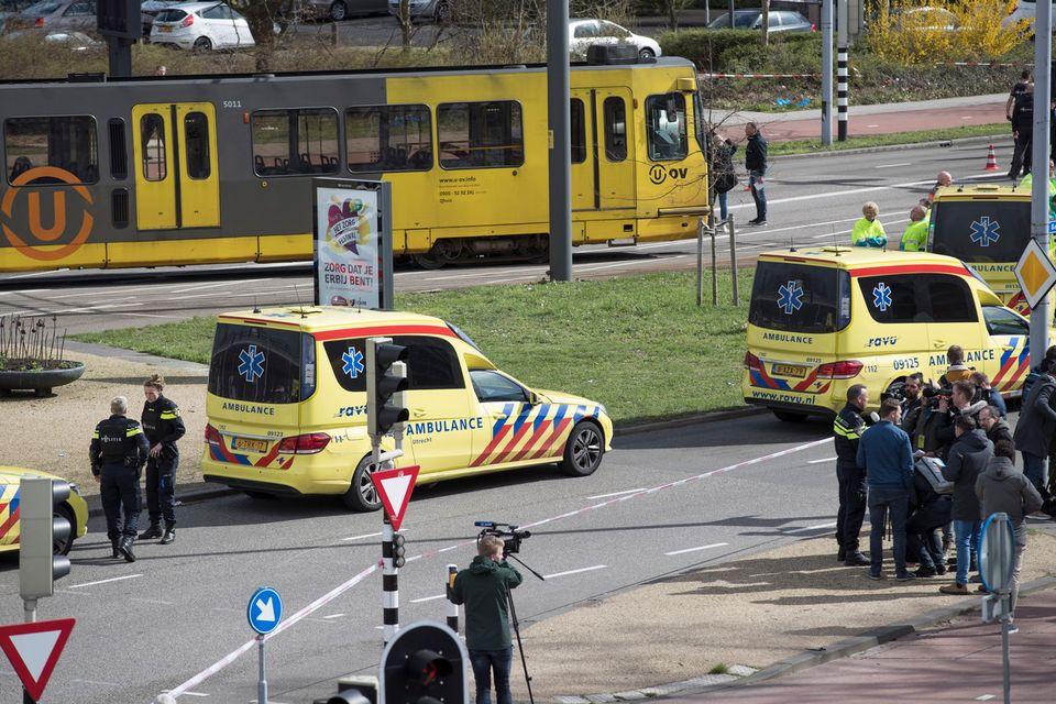 Le tram où a eu lieu la fusillade. [AP Photo/Peter Dejong - Keystone]