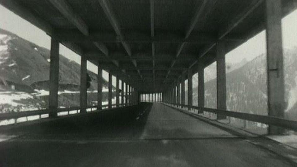 L'entrée du tunnel du Grand-Saint-Bernard en 1964. [RTS]