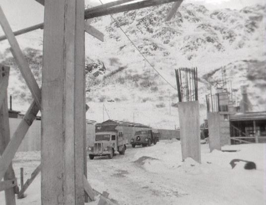 Le chantier du tunnel du Grand-Saint-Bernard en 1961.