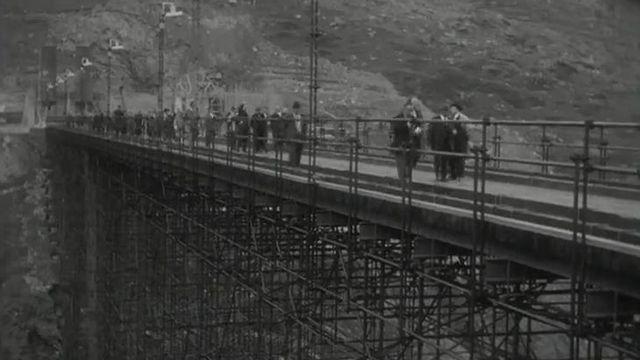 La nouvelle route du col en construction en 1958. [RTS]