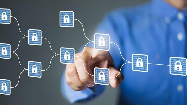 La blockchain est une technologie de stockage et de transmission d'informations sécurisée. [Worawut - Fotolia]