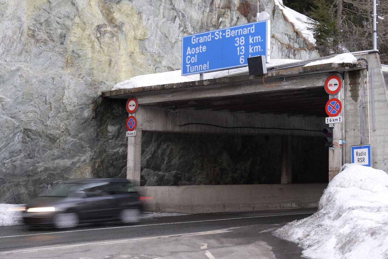 L'entrée du tunnel du Grand-Saint-Bernard à Bourg-St-Pierre.