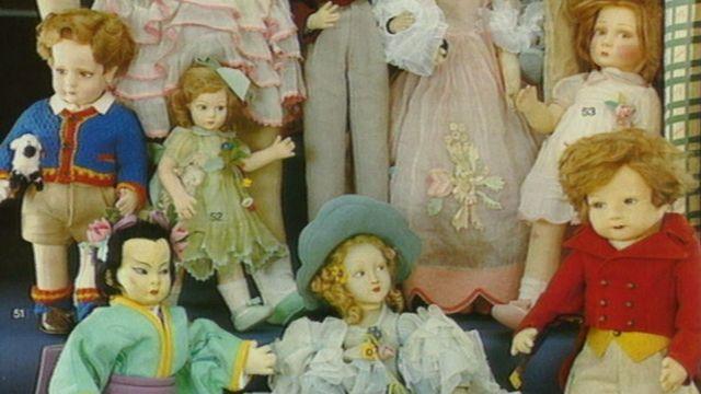 Une collection de poupées en 1994. [RTS]