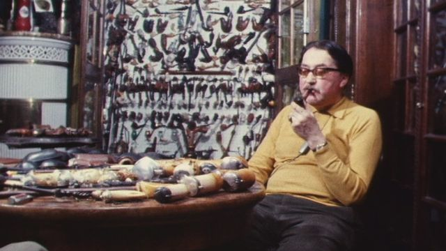 Rencontre avec un collectionneur de pipes en 1973. [RTS]