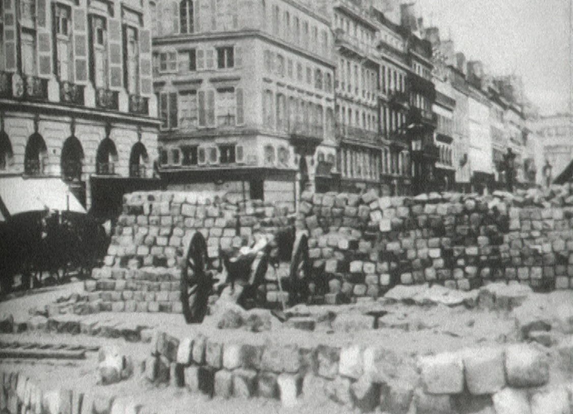 Les barricades de la Commune de Paris, 1871.