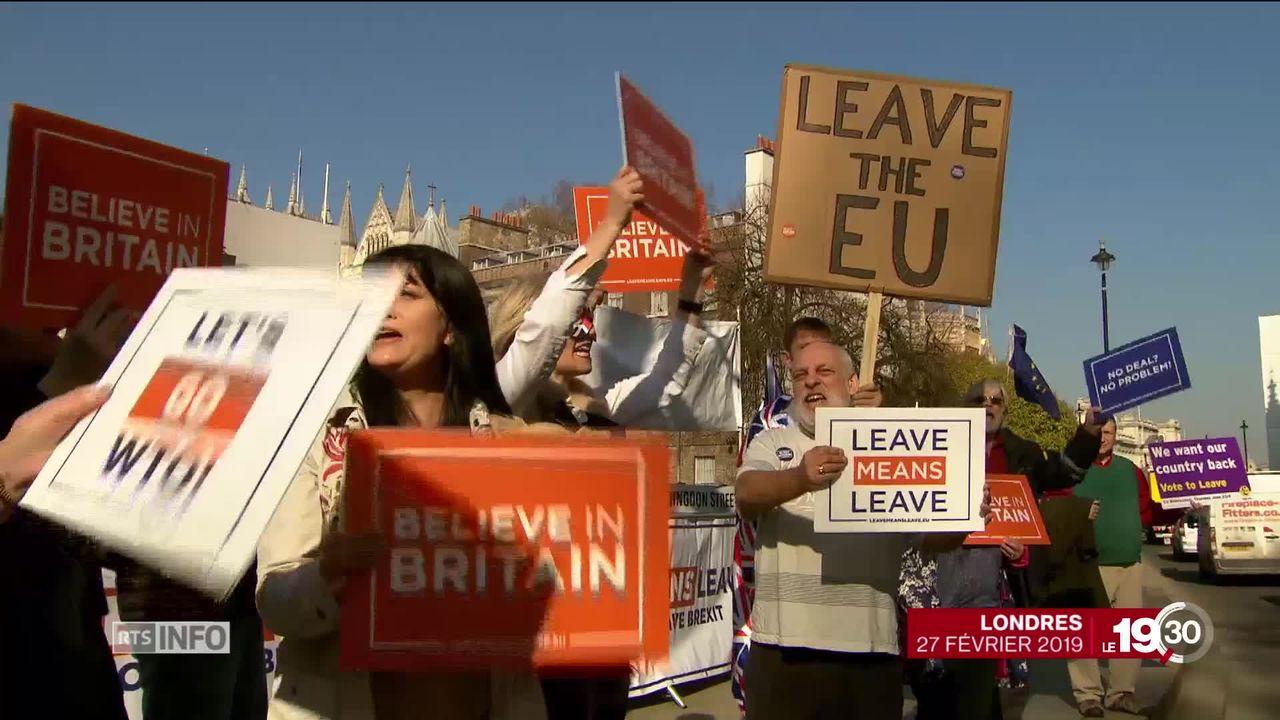 Certains partisans du Brexit s'impatientent face au report de la sortie du Royaume-Uni de l'Union européenne [RTS]