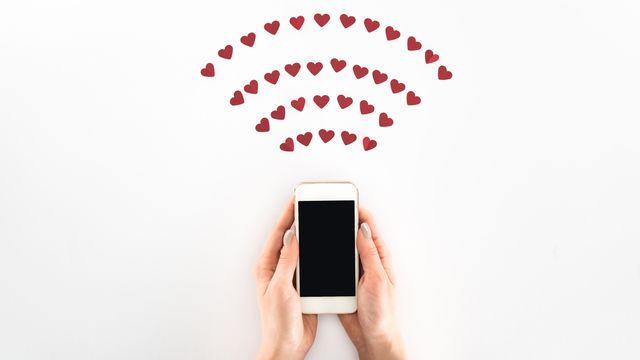 Les amoureux du numérique. [VadimVasenin - Depositphotos]