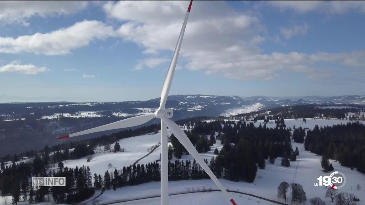 Grand format: les projets éoliens divisent toujours autant les Suisses [RTS]