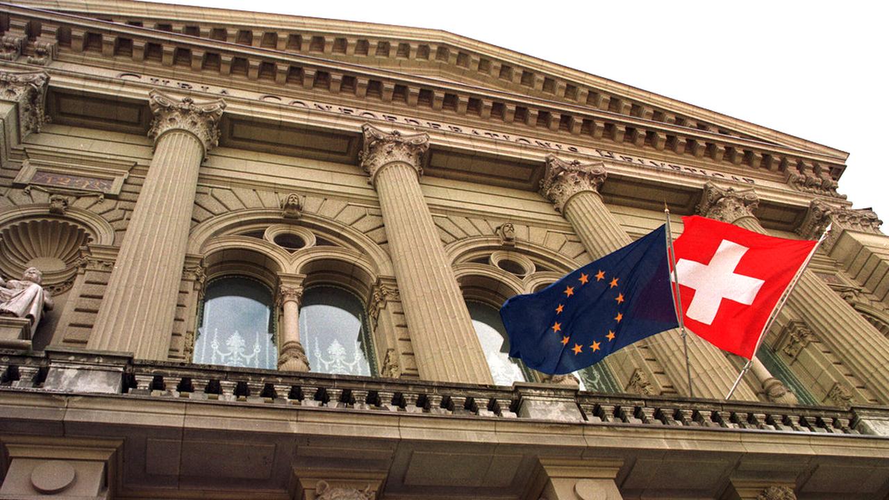 Le soutien à l'accord-cadre se révèle majoritaire dans tous les partis politiques à l'exception de l'UDC. [Alessandro della Valle - Keystone]