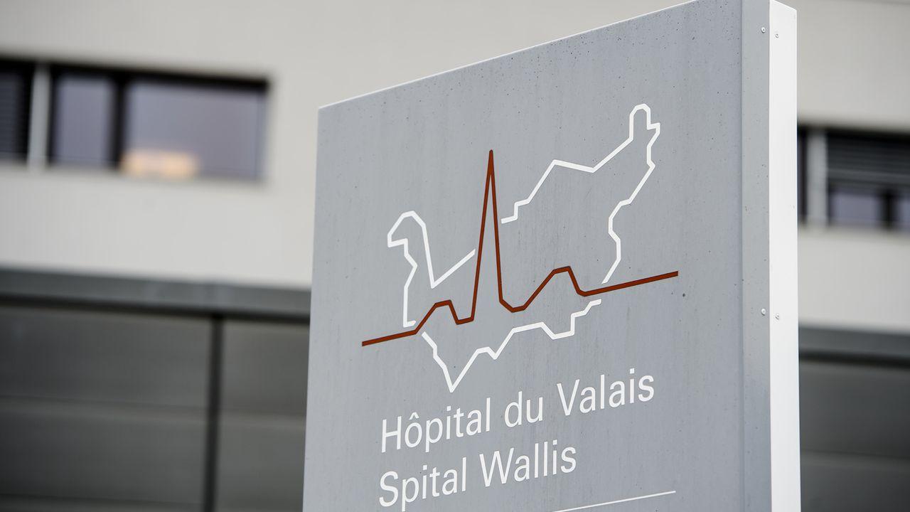 L'entrée du site de Sion de l'Hôpital du Valais. [Jean-Christophe Bott - Keystone]