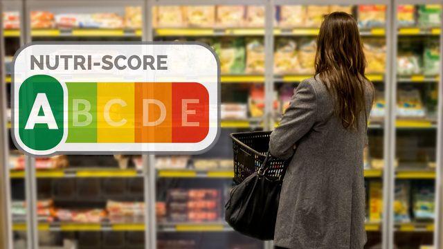 L'Office fédéral de la sécurité alimentaireet des affaires vétérinaires (OSAV) prône un système d'étiquetage unifié, le Nutri-score, pour aider les consommateurs à s'y retrouver (image d'illustration). [GARO - Phanie - AFP]