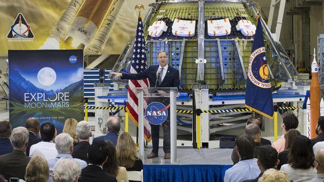 L'administrateur de l'agence spatiale américaine Jim Bridenstine présente les avancées des projets lunaire et martien aux employés de la NASA le 11 mars 2019. [AP NASA / AUBREY GEMIGNANI  - Keystone]