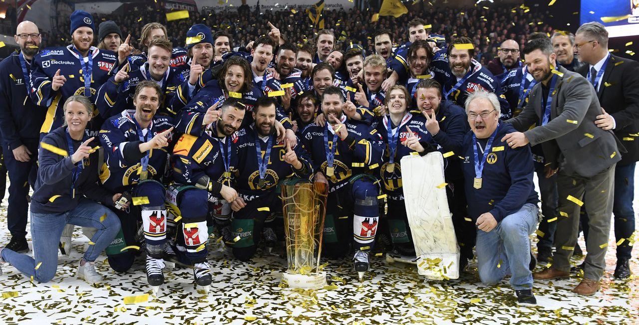 Langenthal est champion de Swiss League pour la 3e fois après 2012 et 2017. [Marcel Bieri - Keystone]
