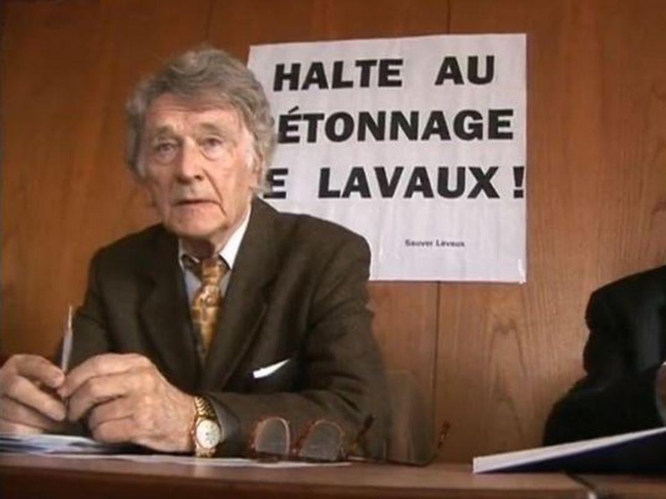 Franz Weber lance une 3e initiative pour protéger le vignoble.