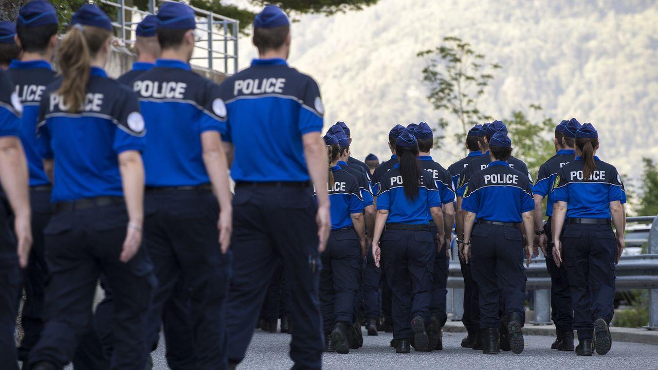 Des aspirants policiers en formation à l'Académie de police de Savatan. [Anthony Anex - Keystone]