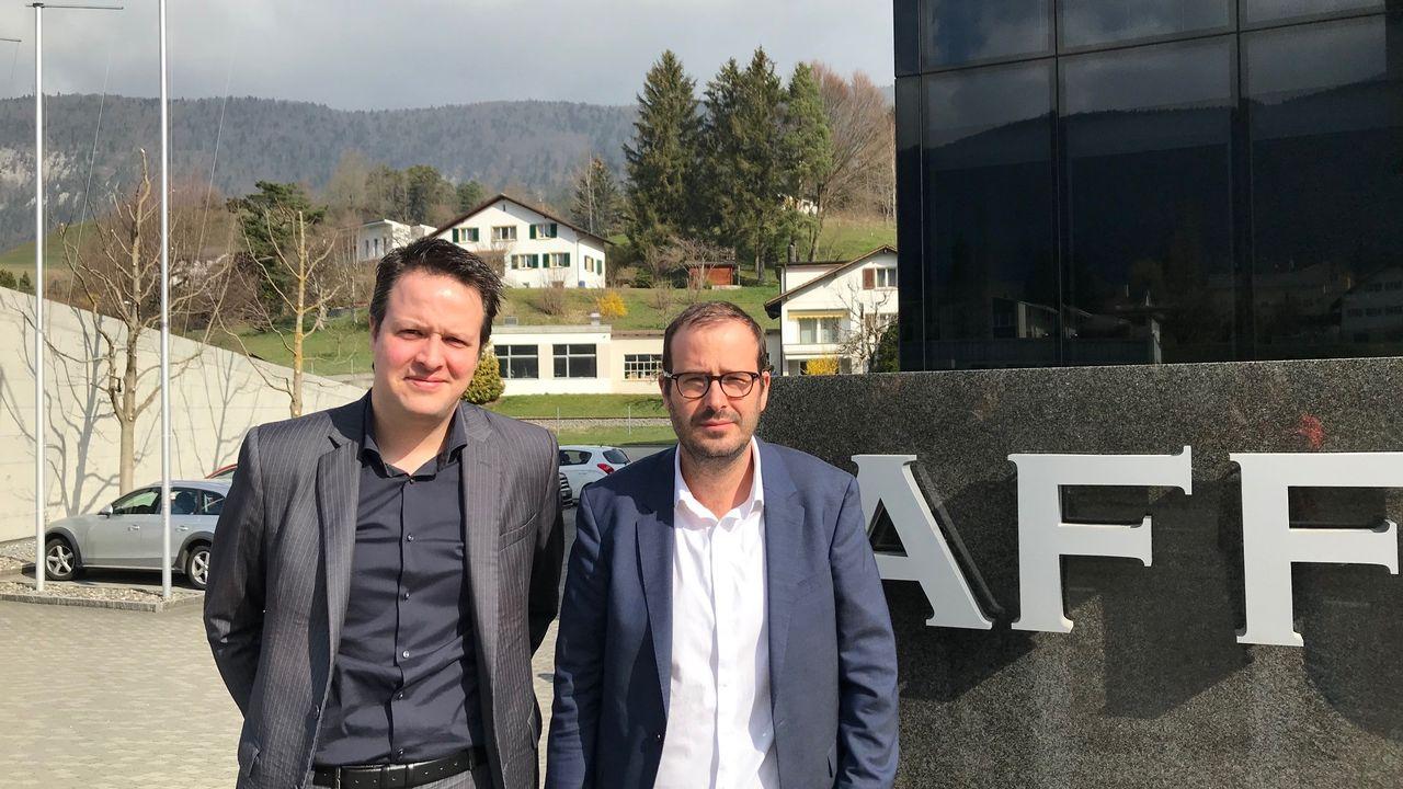 Grégory Affolter, patron d'Affolter Pignons SA, et Patrick Linder, directeur de la Chambre d'économie publique du Jura bernois. [Alain Arnaud - RTS]