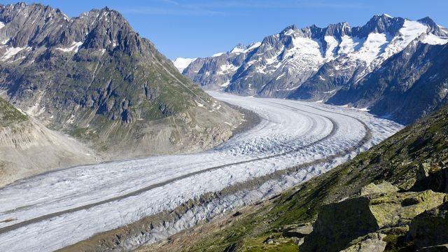 Un tiers des glaciers alpins pourraient être sauvés avec des mesures fortes. [Anthony Anex - Keystone]