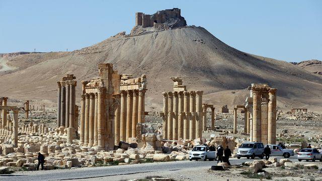 Les restes de l'Arc de Triomphe de Palmyre, photographiés le 31 mars 2016. [Joseph Eid - AFP]