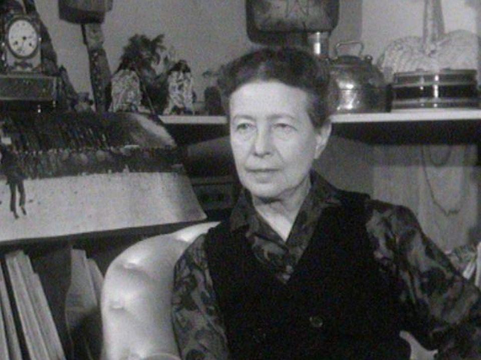 Simone de Beauvoir chez elle en 1970. [Vie Littéraire/RTS]