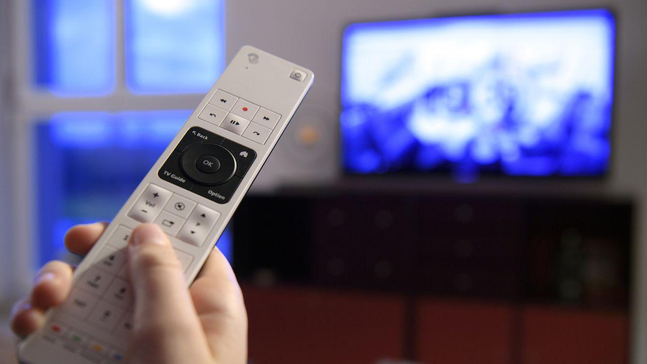50 francs seront déduits de la facture de la redevance radio-TV des ménages en 2021. [Laurent Gillieron - KEYSTONE]
