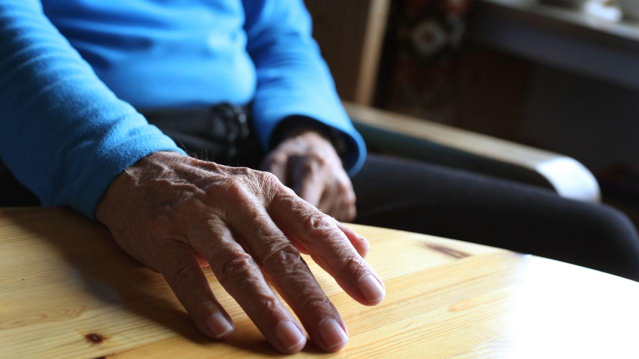 Le Valais pourrait bien inscrire le droit à l'assistance au suicide dans sa loi sur la santé. [Karl-Josef Hildenbrand - Keystone]
