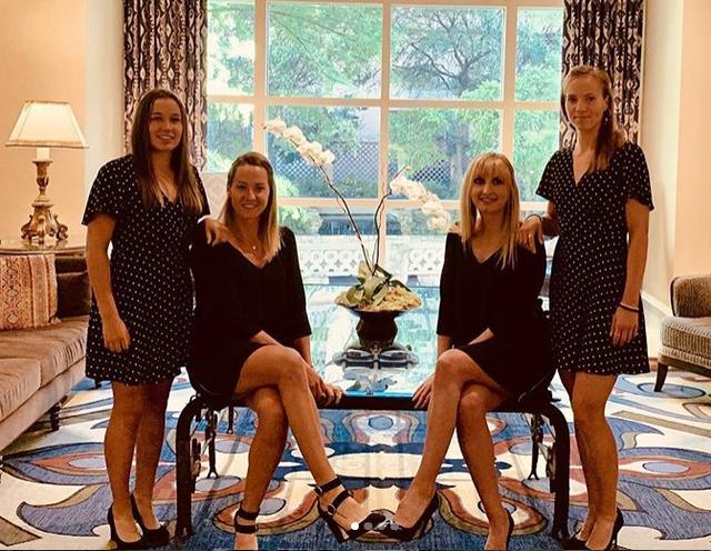 Le quatuor suisse s'est mis sur son 31 pour la soirée officielle jeudi soir à San Antonio. [Twitter Swiss Tennis - RTS]