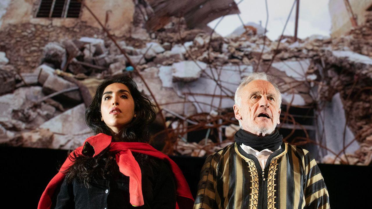 "Une scène du spectacle ""Orestes in Mosul"" de Milo Rau. [Fred Debrock]"