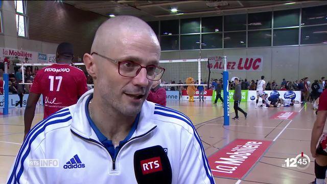 En volleyball, les Lausannois du LUC sont à une victoire du titre de champion de Suisse. Portrait de son entraîneur [RTS]