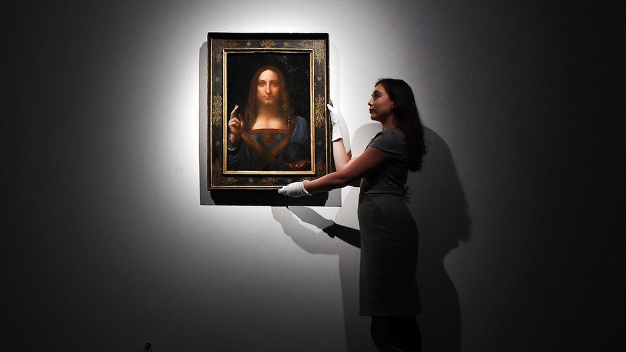 """Le tableau """"Salvator Mundi"""" de Léonard de Vinci, vendu 450 millions de dollars en 2017, n'est plus réapparu en public depuis. [Andy Rain - KEYSTONE/EPA]"""