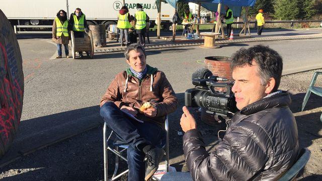 """François Ruffin et Gilles Perret, réalisateurs du documentaire """"J'veux du soleil"""". Les 400 Clous Adok films [Les 400 Clous - Adok films]"""