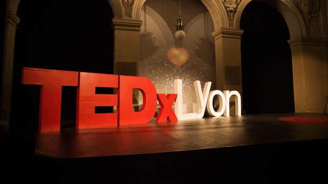 Logo TEDxLyon [Iconomix]