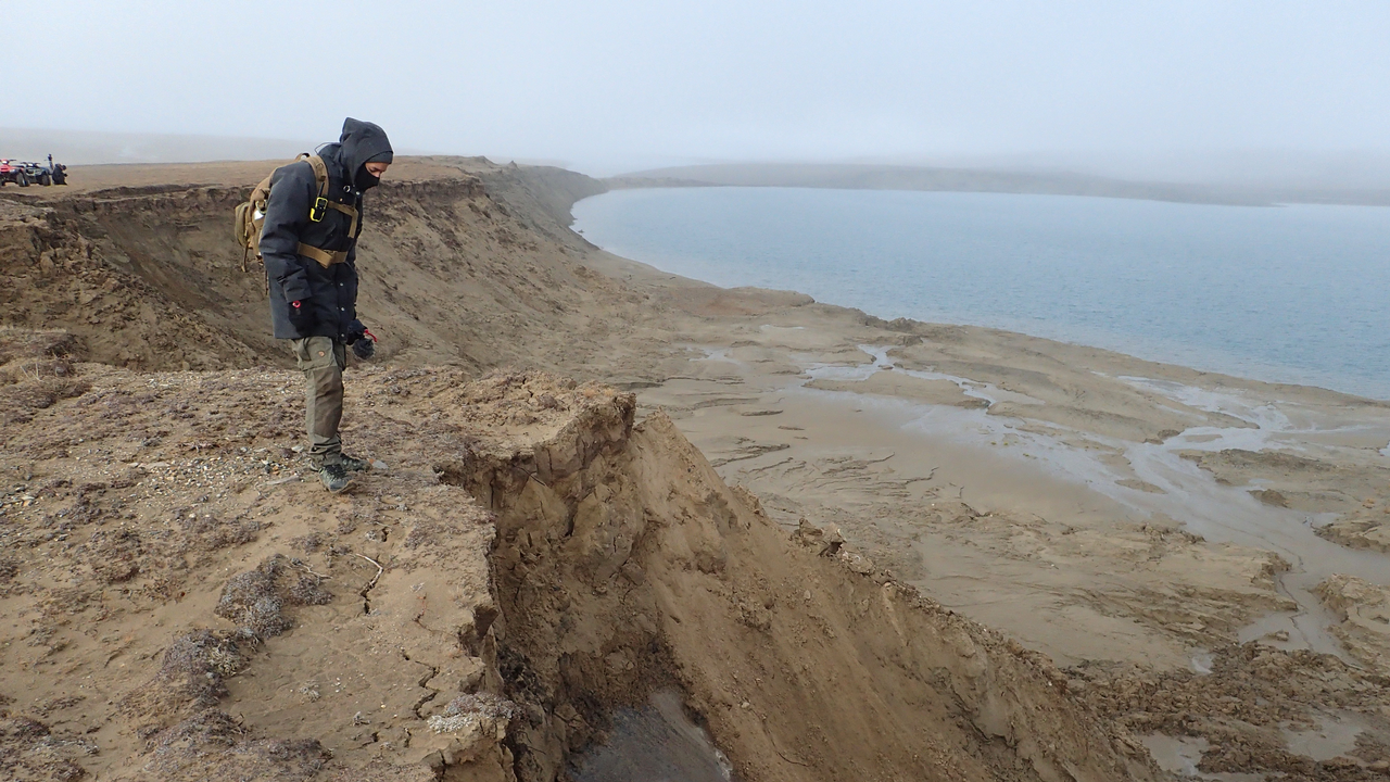 Effondrement du permafrost du Lac Angus. [RTS]