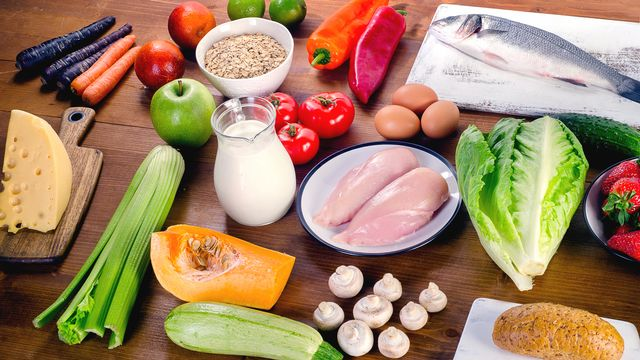 Comment adopter une alimentation saine? [bit245 - Depositphotos]