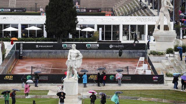 La pluie s'est invitée au tournoi de Rome. [Riccardo Antimiani - Keystone]