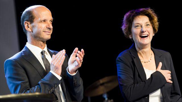 Marianne Maret aux côtés de Beat Rieder, jeudi 16.05.2019 lors de l'assemblée à Fully. [Jean-Christophe Bott - Keystone]