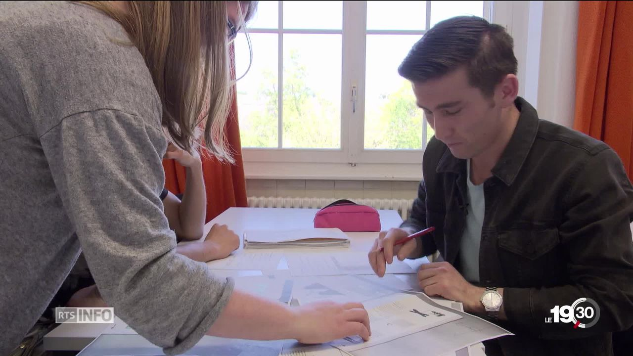 Le canton de Vaud lance un programme de formation spéciale destiné aux migrants. [RTS]