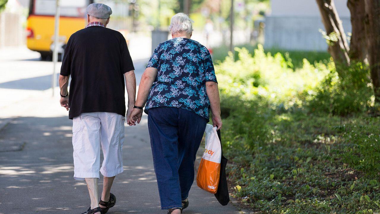 Les Jeunes PLR et Vert'libéraux veulent augmenter l'âge officiel de la retraite mais la rendre flexible. [Gaëtan Bally - Keystone]