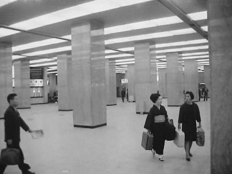 En gare de Kyoto en 1969. [RTS]