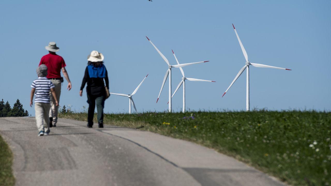 Le parc éolien du Mont-Crosin. (Image d'illustration) [Jean-Christophe Bott - KEYSTONE]