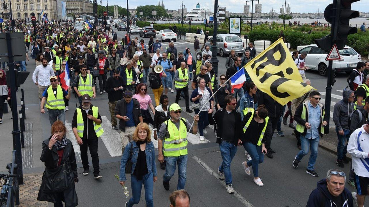 """Une manifestation de """"gilets jaunes"""" à Bordeaux. [Mehdi Fedouach - AFP]"""